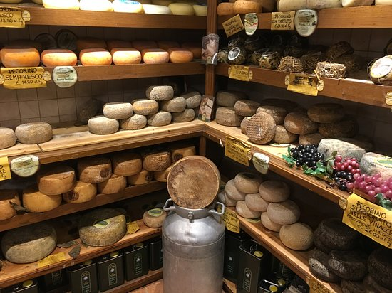 פיינזה, איטליה: Marusco e Maria Enoteca - os queijos 
