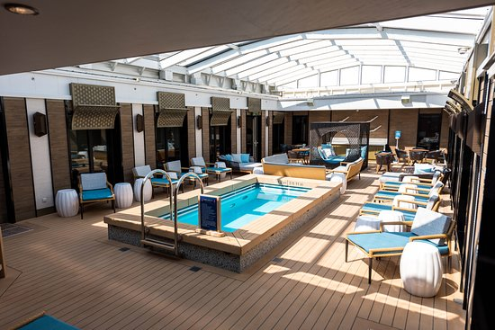The Haven Courtyard on Norwegian Pearl