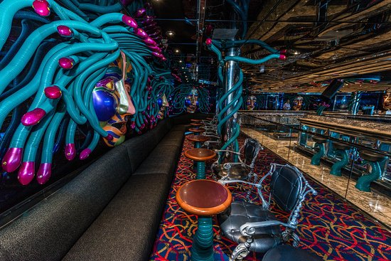 Medusa's Lair Dance Club on Carnival Legend