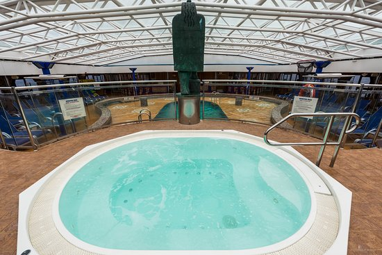 The Avalon Main Pool on Carnival Legend
