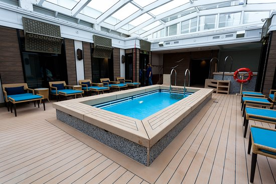 The Haven Pool on Norwegian Jade