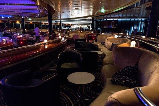 Spinnaker Lounge on Norwegian Jade