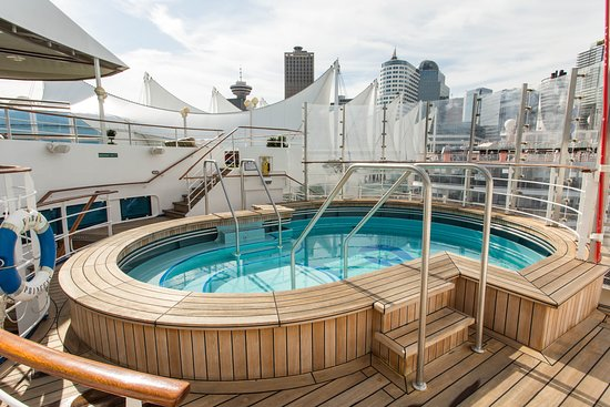 The Sanctuary Pool on Coral Princess