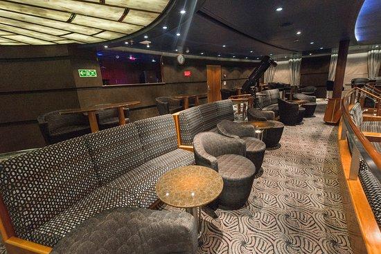 Seven Seas Lounge on Seven Seas Navigator