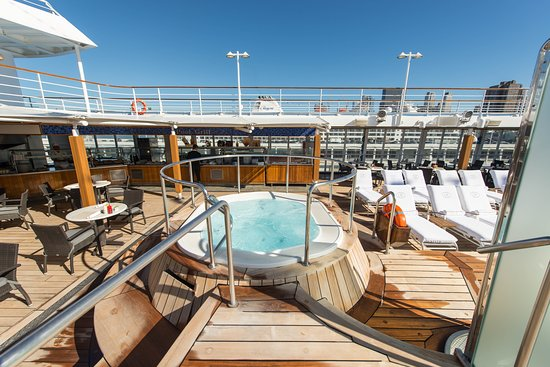 The Pool on Seven Seas Navigator