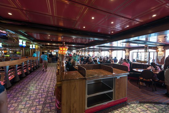 Horatio's Lido Cafe on Carnival Miracle