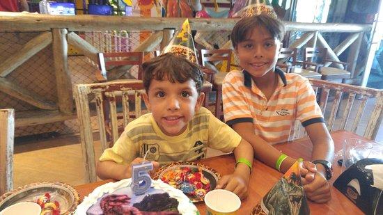 Ilha do Caranguejo: Foi maravilhoso comemorar o aniversário do meu filho neste local.