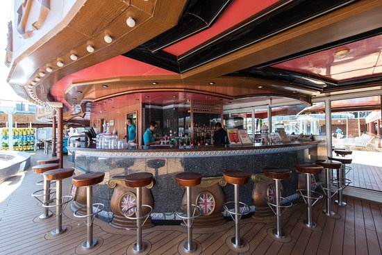 Odyssey Pool Bar on Carnival Miracle