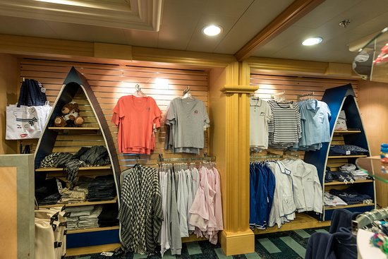 Shops on Emerald Princess