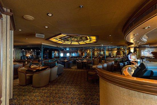 Explorers Lounge on Emerald Princess