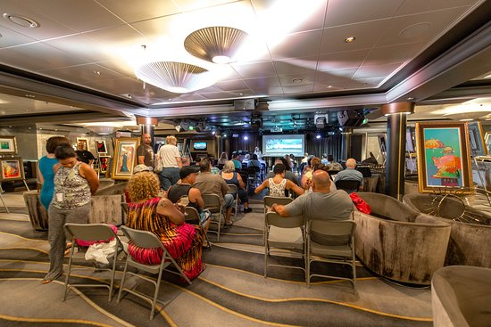 Art Auction in Bliss Ultra Lounge on Norwegian Dawn