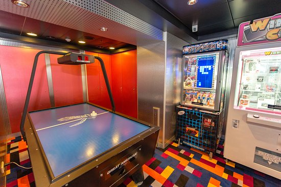 Video Arcade on Norwegian Dawn