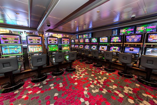Dawn Club Casino on Norwegian Dawn