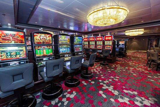 Dawn Club Casino on Norwegian Dawn