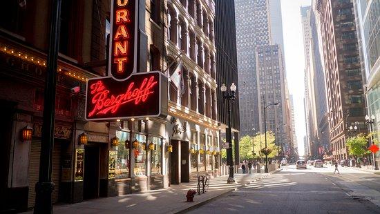 Zdjęcie Famous Tastes of Chicago Food Tour