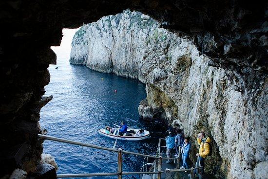 Capri et la grotte bleue au départ de...