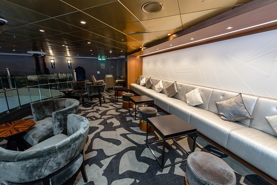 Lounge on Norwegian Dawn