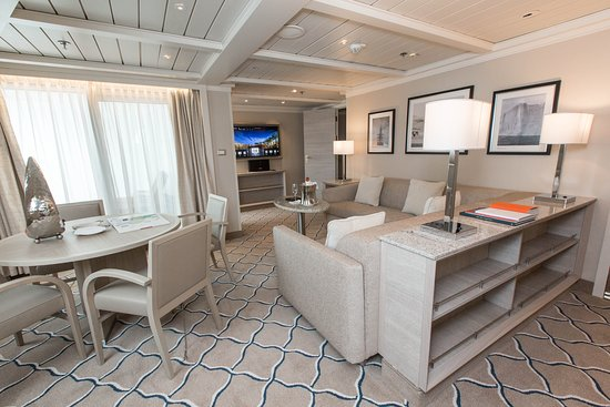 The Royal Suite on Silver Cloud Expedition
