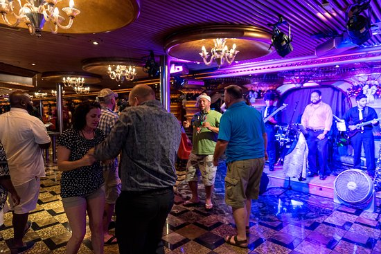 Live Music in Elation's Way Promenade on Carnival Elation