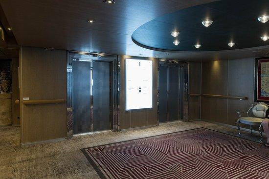 Elevators on Nieuw Amsterdam