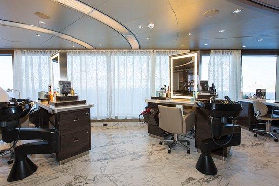 Beauty Salon on Nieuw Amsterdam
