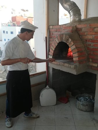 Rooftop Restaurant: Pizza Wood fire