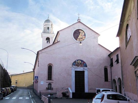 Recco, İtalya: facciata della chiesa