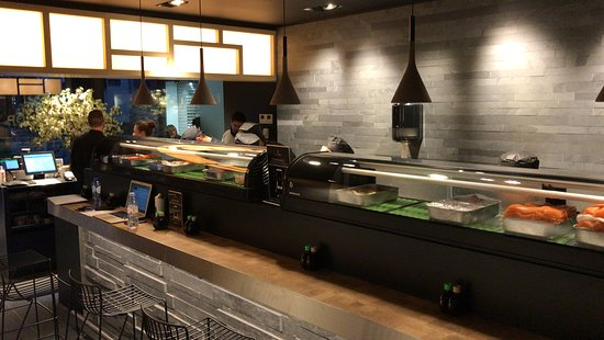 Sushi Shop Liège: Notre Sushi Bar !