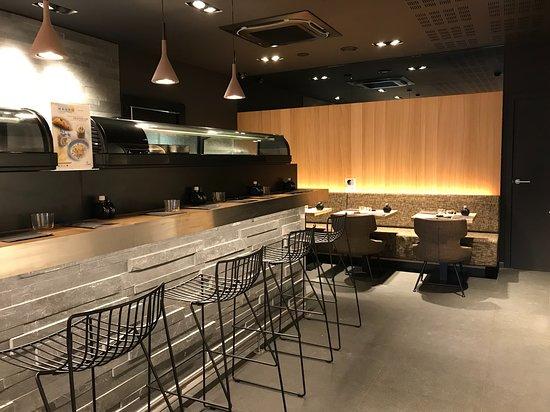 Sushi Shop Liège: Sushi Bar ou Fauteuil ?