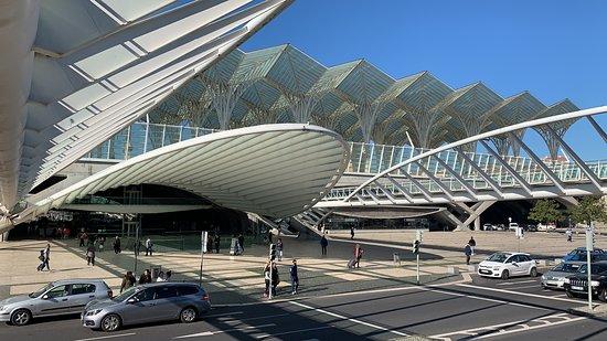 Πάρκε ντας Νασόες: Uma das magníficas construções modernas do Parque das Nações.