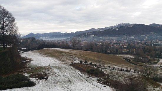 Province of Bergamo, Italy: Bergamo cidade bonita e maravilhosa com neve!!