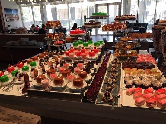 Pullman Dakar Teranga: Dessert buffet during Sunday brunch