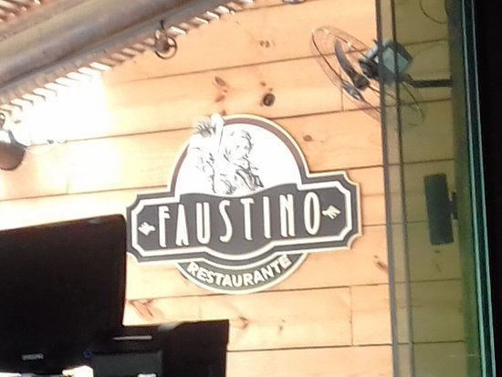 Faustino Restaurante: salao