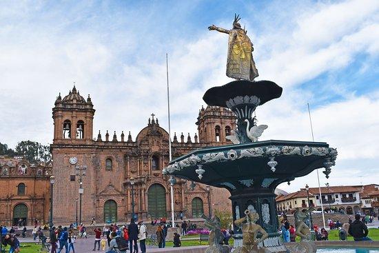 La plaza de armas, lugar infaltable para tu visita a la ciudad imperial, con Semilla Tours