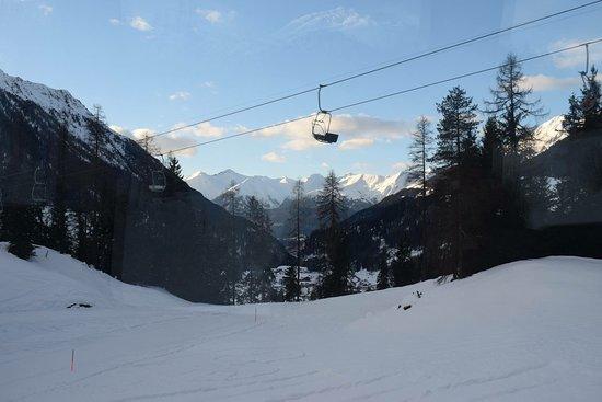 Graubünden, Schweiz: Hier ein paar Bilder von unserer Reise mit dem Bernina- Express von Chur nach Tirano (Teil 2)