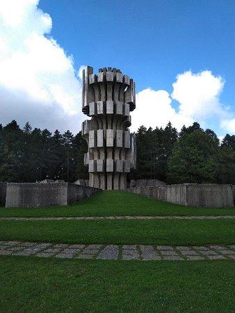Republika Srpska, Bosnia-Hercegovina: Monument to the Revolution (Spomenik Slobode)