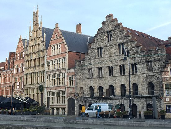 Romanesque House in Ghent