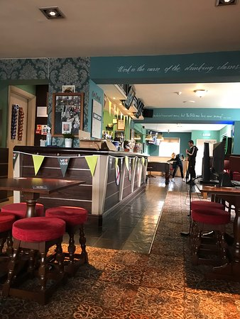 Stourbridge, UK : Pool bar