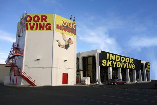 ‪Vegas Indoor Skydiving‬