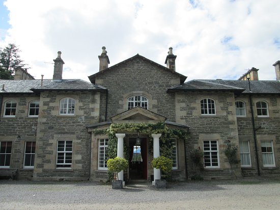 Contin, UK: Entrance to the Hotel