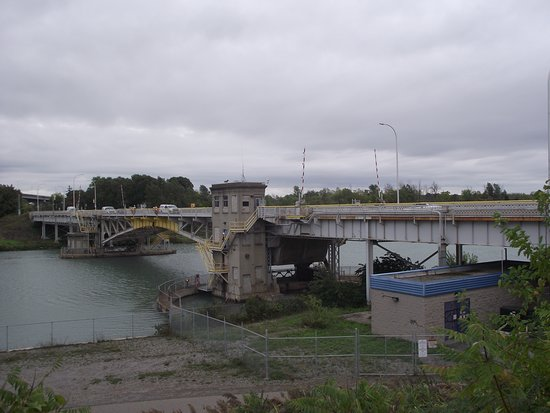 CANADA - ST. CATHARINES - HOMER LIFT BRIDGE