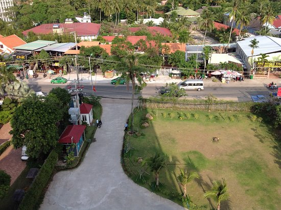 Ola Phu Quoc Hotel: Restauranger sett från balkong!