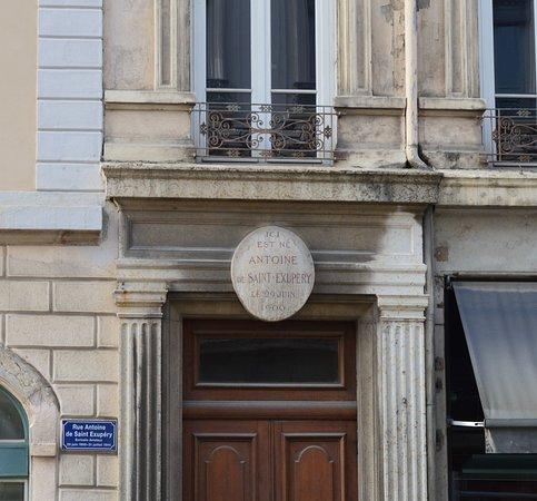 Statue d'Antoine de Saint Exupery
