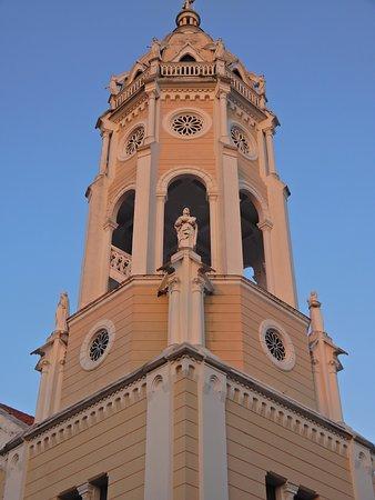 Closeup of the steeple.