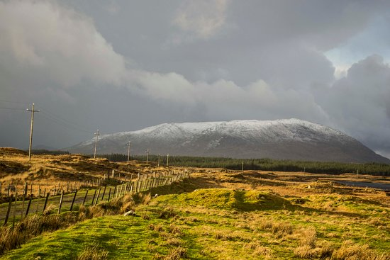 Oughterard, Ireland: You can see this Mountain from Connemara Escape window
