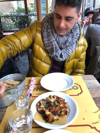 Fantástica comida y trato genial . Ciccio y Lorenzino muy amables y súper rápido . Volveré