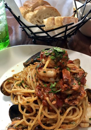 If You Re A Seafood Fan Like Me Try The Spaghetti Del