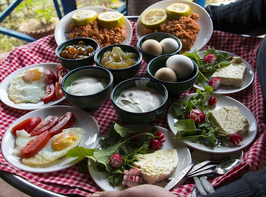 Mazandaran Province, อิหร่าน: Breakfast!