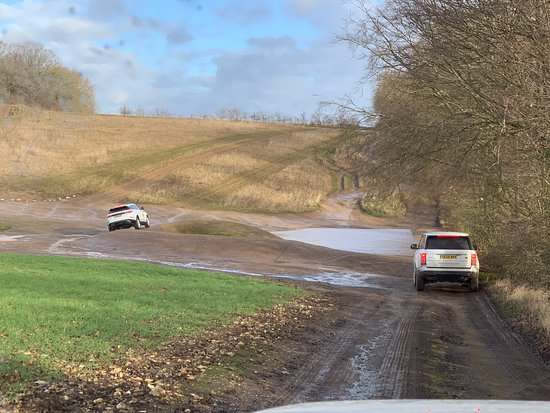 Land Rover Experience: Banking over