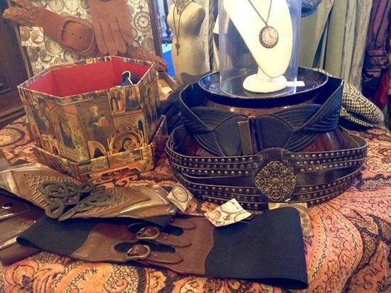 Oamaru, New Zealand: Steampunk and neo-Victorian apparel and accessories